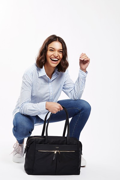 """Mayfair;Curzon;Shoulder bag;15"""";119-201-BLK;On the model"""