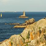 Pointe du Raz  -    phares de la Vieille ,  phare de Goulenez (ile de sein)  et  Ar Men  -  Bretagne