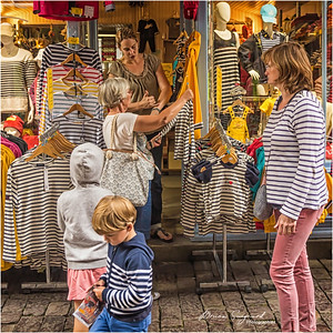 "Shopping ""Marinière""  -  Dinan  -  Brittany"