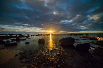 Low tide moonrise