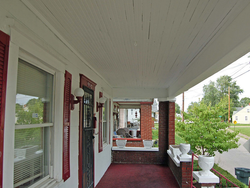 Another After of the porch.  Great job Karen and Jeff!
