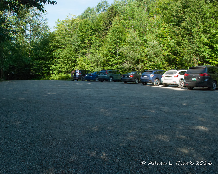 The parking lot at the trail head has room for 20 to maybe 25 cars at it