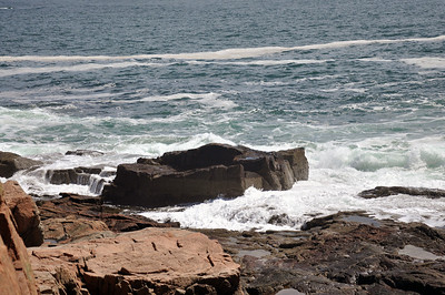 Wave action at Thunder Hole