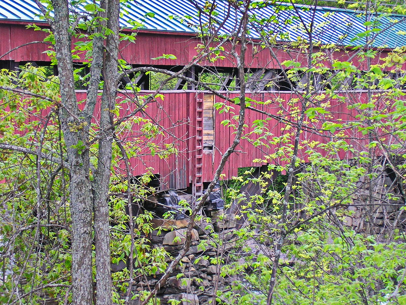 Taftsville Covered Bridge from the Road