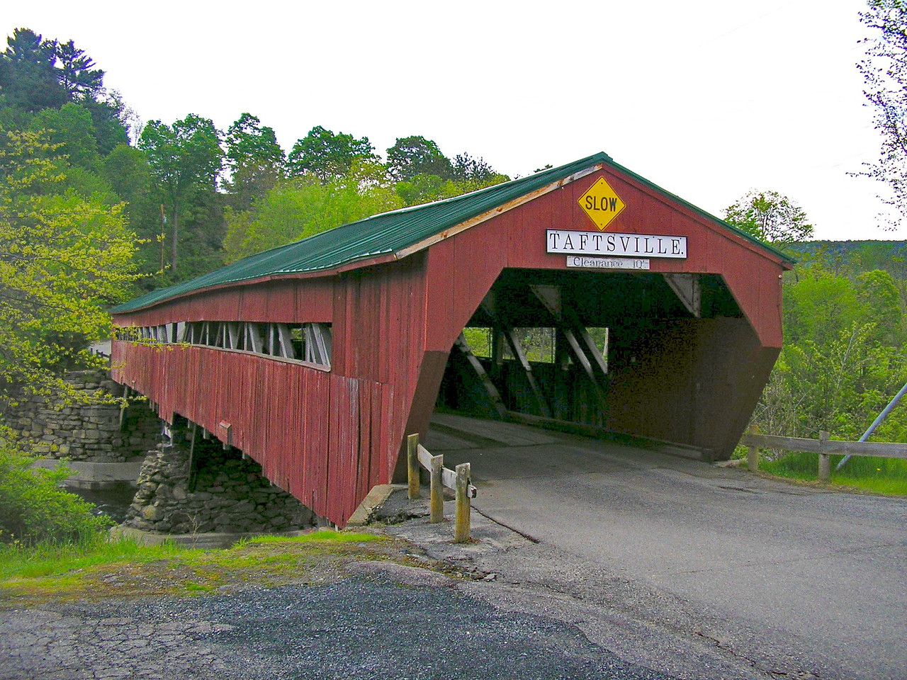 Taftsville Covered Bridge Entrance