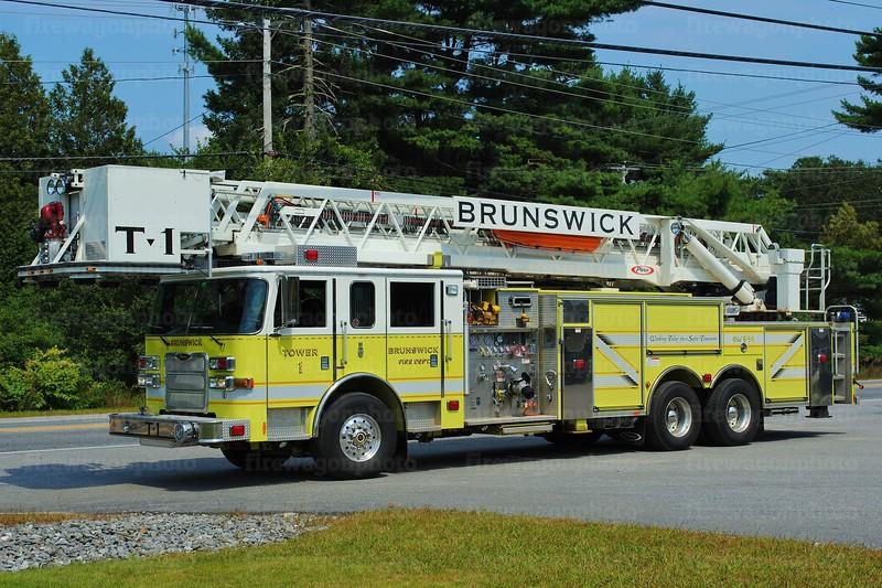 Brunswick, Maine - Tower 1: 2006 Pierce Dash 2000/300/100'