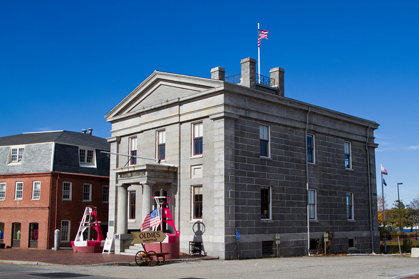 Custom House Museum, Water Street