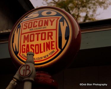 Globe on vintage gas pump Amherst, NH - 2