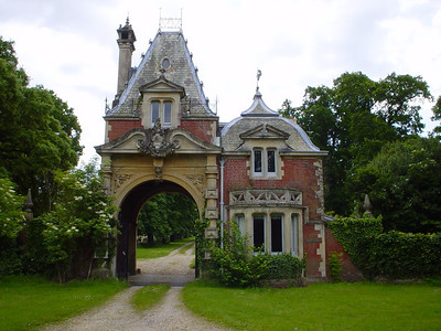 Gatehouse  Hows this for a gatehouse.  We passed this house and I immediately thought of the old gatehouse Blot used to live in in the Blot on the Landscape TV series.