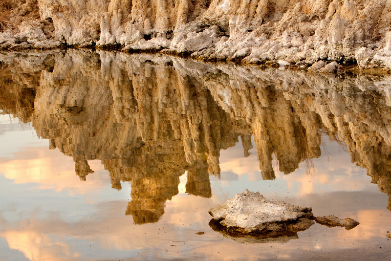 Tufas Reflected