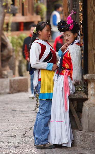 Helping Out, Lijiang