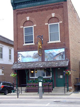 Glarner Stube - (608) 527-2216<br /> Charming Old World Atmosphere & Hospitality in the Heart of New Glarus. Fabulous Daily Specials, Featuring Swiss Cuisine & Great Steaks.