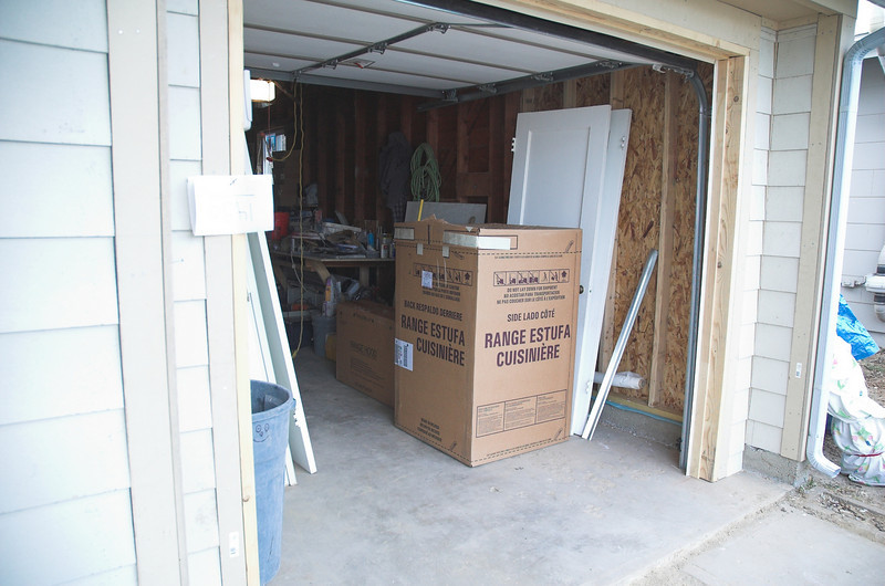 Bright and early wednesday morning appliances arrived at my house.