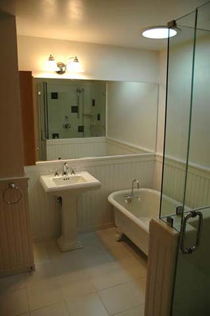 Dillehay residence: guest bath
