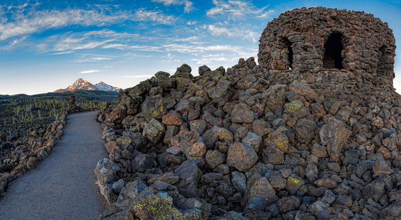 The Crown on the Mckenzie Pass. The Dee Wright Observatory