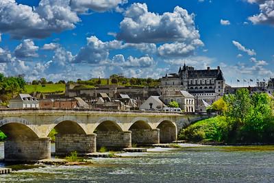 Château d'Amboise & the Maréchal Leclerc Bridge  on the Loire River