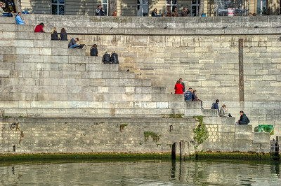 Popular Meeting Place on the Seine