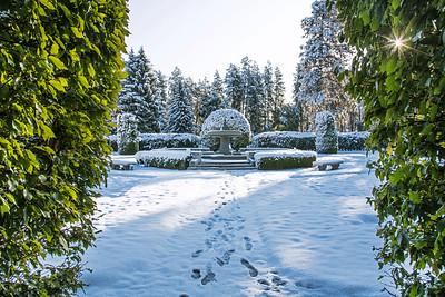Duncan Gardens Snowy Fountain