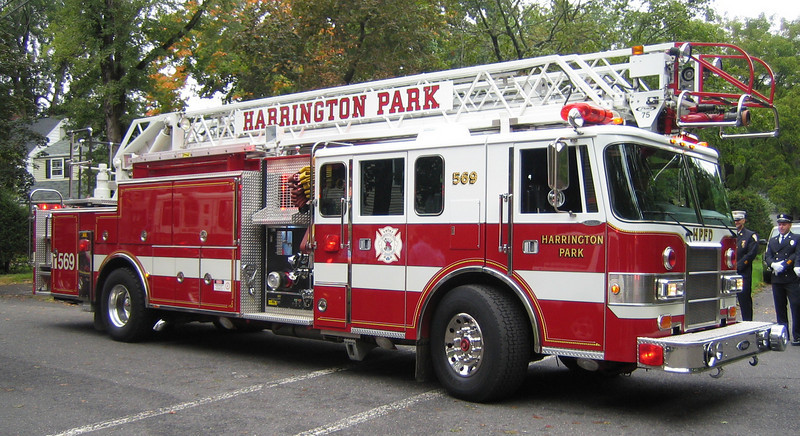 Harrington Park L569 Pierce Lance 75ft rma quint (ps)