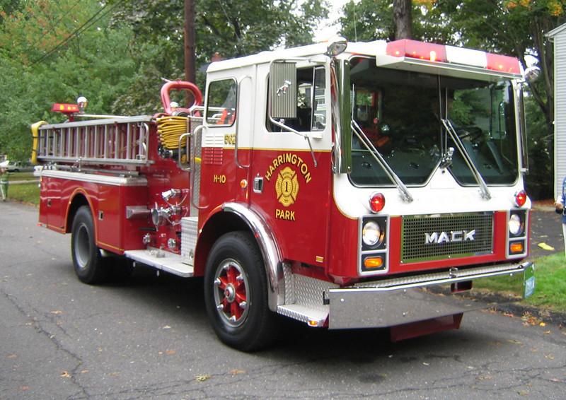 Harrington Park E562 1982 Mack MC 1250gpm 500gwt (ps)