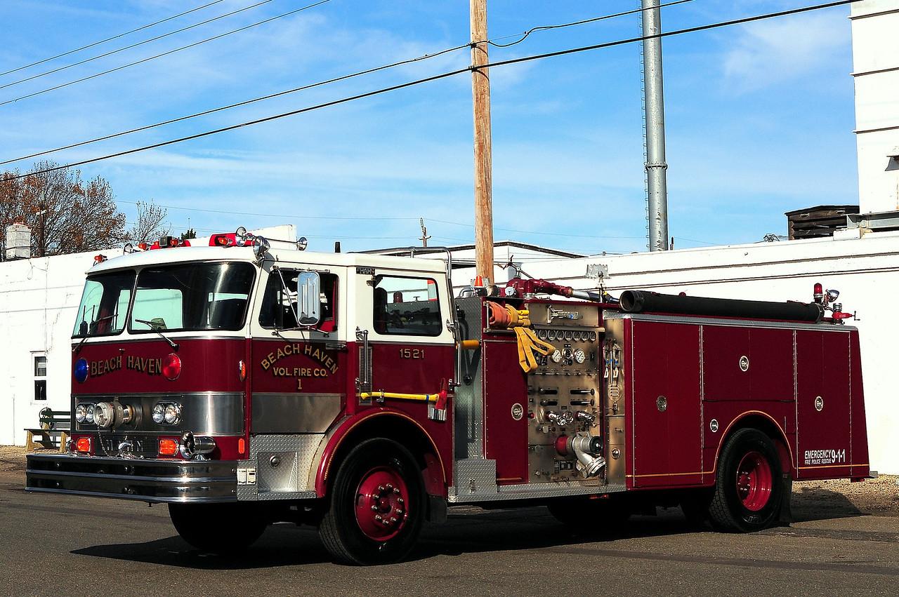 Beach Haven Fire Dept  Engine  1521  1983 Hahn  1250/ 750