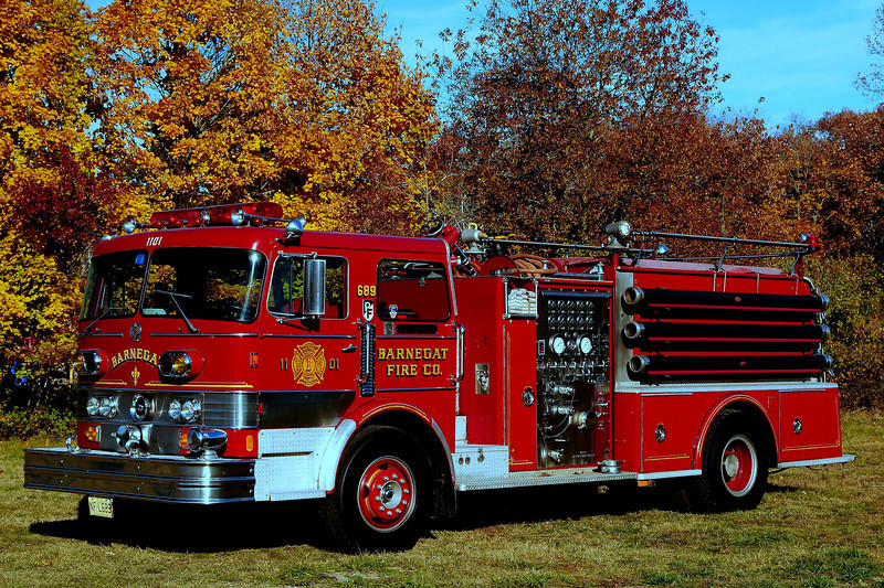 Barnegat Fire Dept  Engine  11-01  1971 Imerial/ Pemfab  1000/ 1000