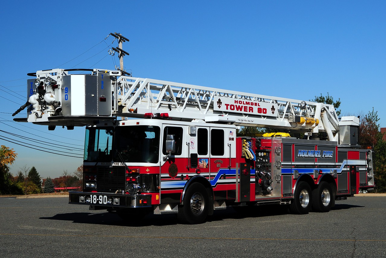 Holmdel Fire Co # 2  Tower 18-90  2002 HME/ Smeal  2000/ 200/ 100ft