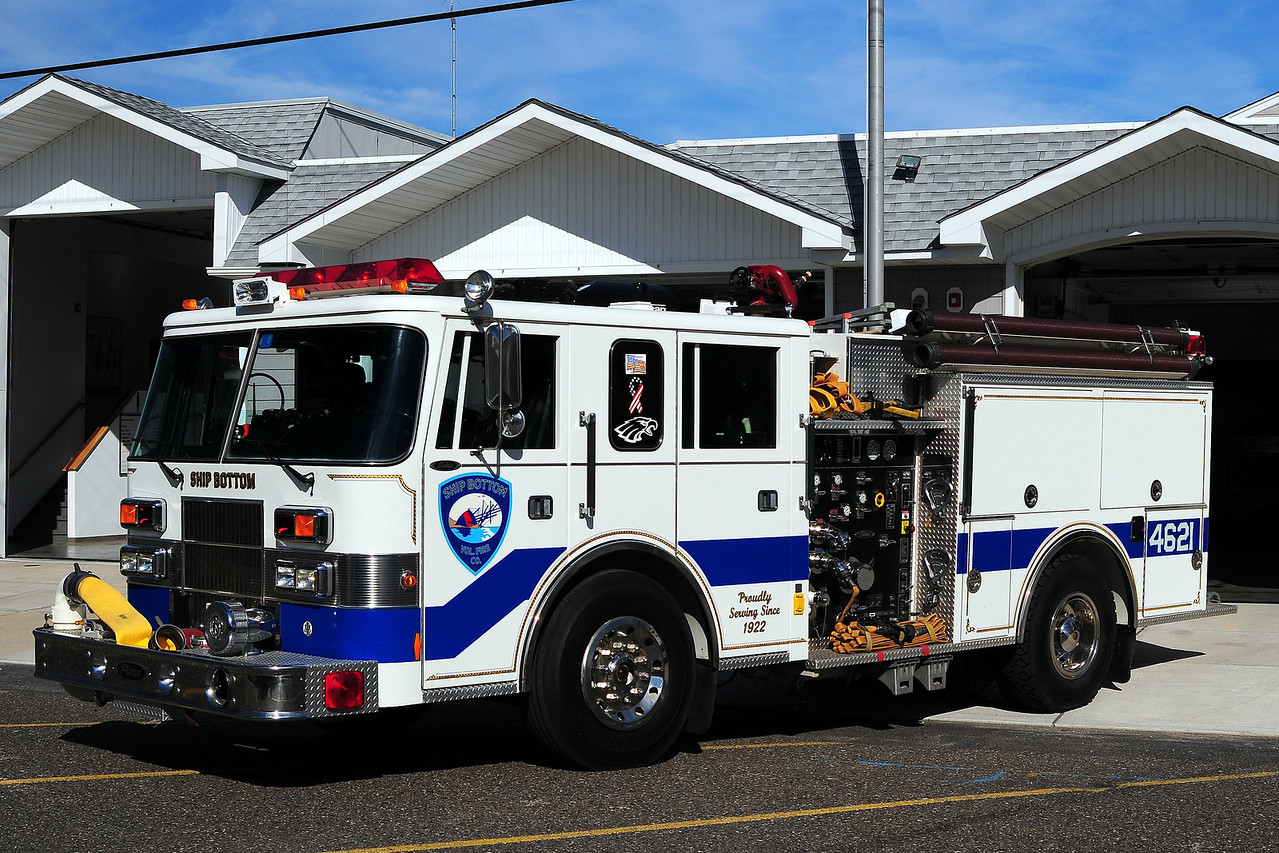 Ship Bottom Fire Dept  Engine 4621 1994 Pierce Saber 1000/ 750