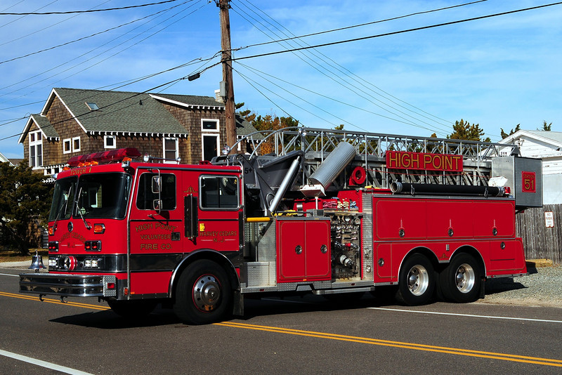 High Point Fire Co #1  Tower 5105  1989 Sutphen 1500/ 1000/ 65 ft