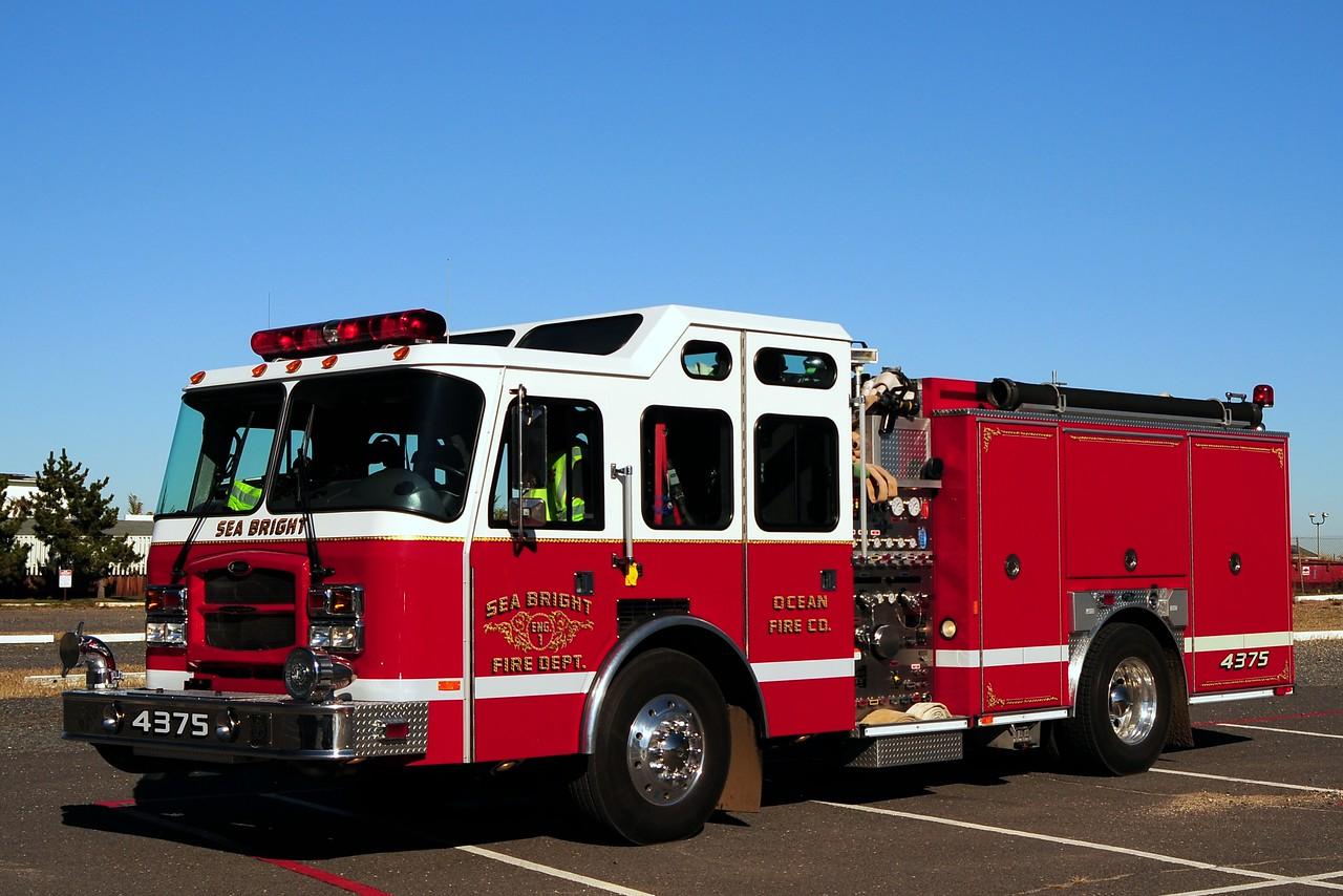 Sea Bright Fire Dept   Engine  43-76  2004 Emergency-One  1500/ 970/  30