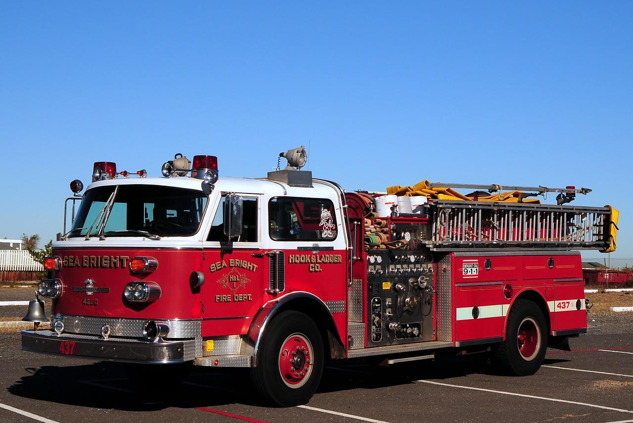 Sea Bright Fire Dept  Engine  43-76  1981 American La France  1500/ 500  EX-WaterChief