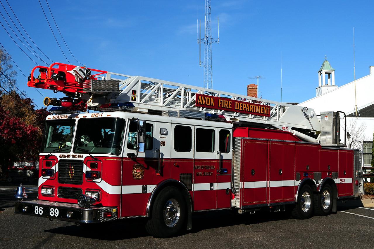 Avon Fire Dept  Ladder 86-89  2005 Seagrave 100ft