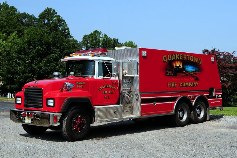 Quakertown  Tanker 91-71  1992 Mack  RD / Saulsbury 400/ 3000