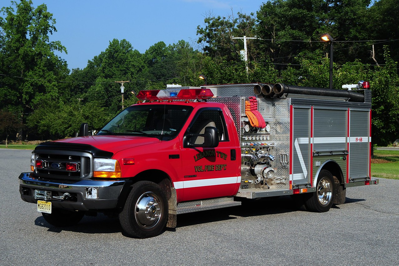 Lebanon Twp. Engine 19-68 1999 Ford F-550/ Central States 1000/ 400