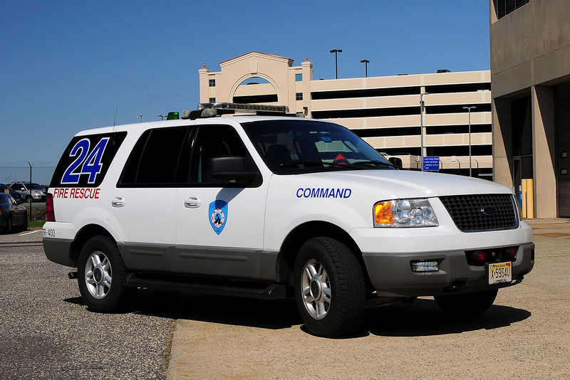 Atlantic City International Airport Command 24 ,                            2004 Ford Expedition