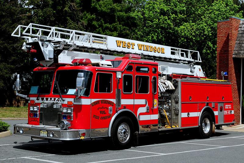 West Windsor Fire Co   Tele-Squirt 43  1994  KME  Renegade  Firestix   2000/  500 / 75 Ft