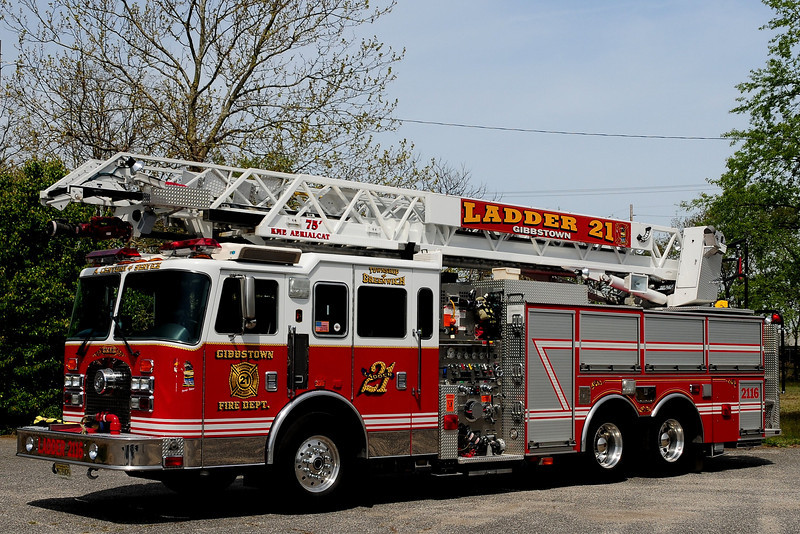 Gibbstown Fire co  Ladder  2116   2000 KME  1500/ 500 / 75Ft