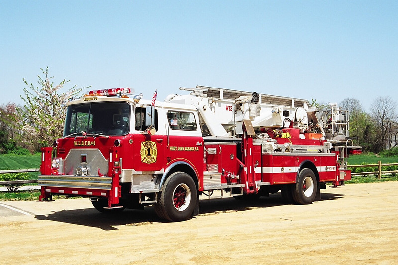 1990  Mack/Baker 75-foot Aerialscope tower-ladder This truck was the LAST !! single rear axle Aerialscopes produced. The truck was built by  Mack Trucks Inc.  In PA.