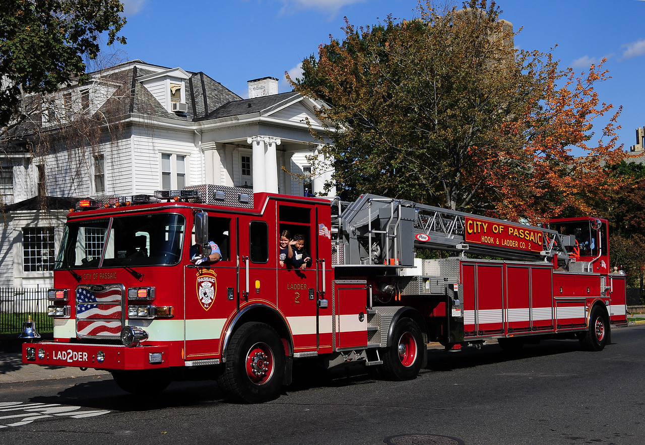 PASSAIC LADDER 2   2008 PIERCE ARROW XT 100' TDA
