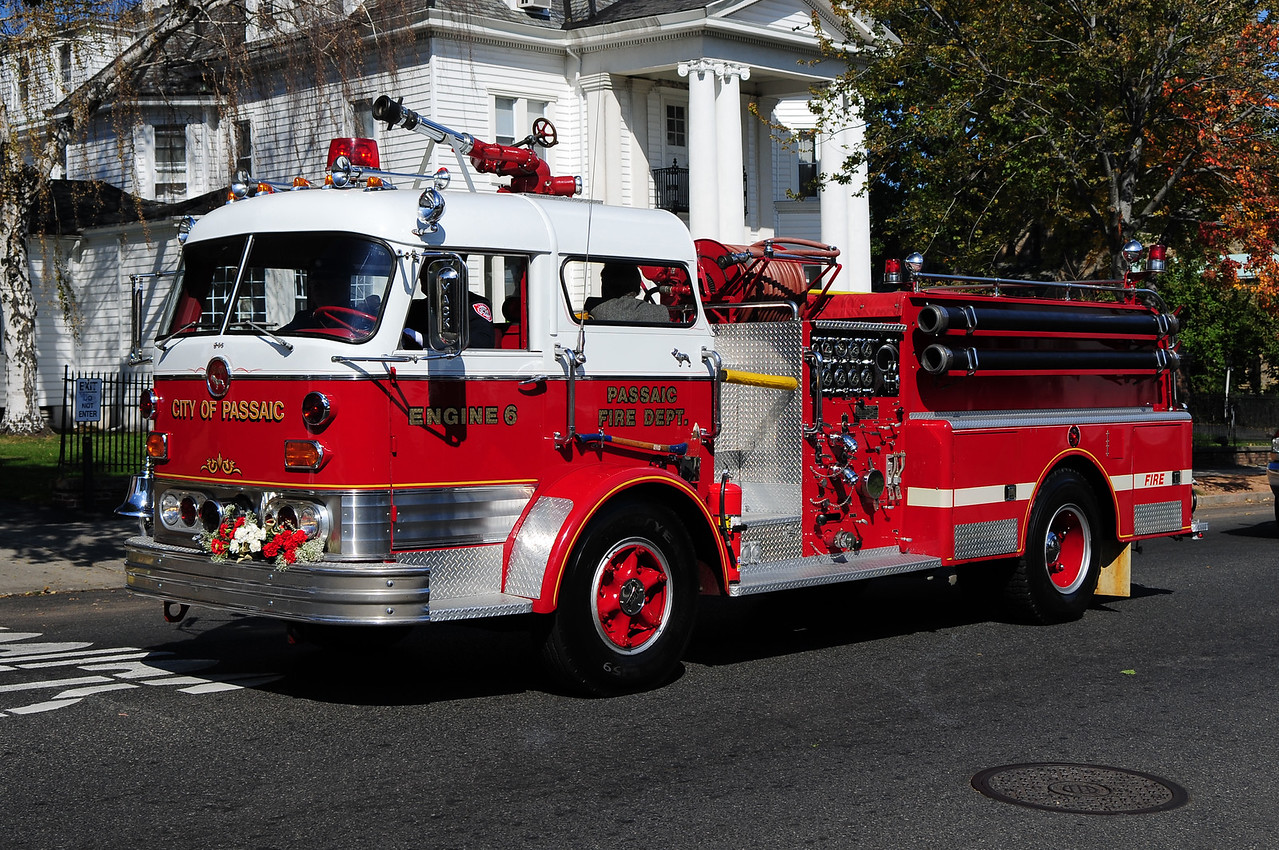 City of Passaic , NJ  1965 Mack C-95  1000/500