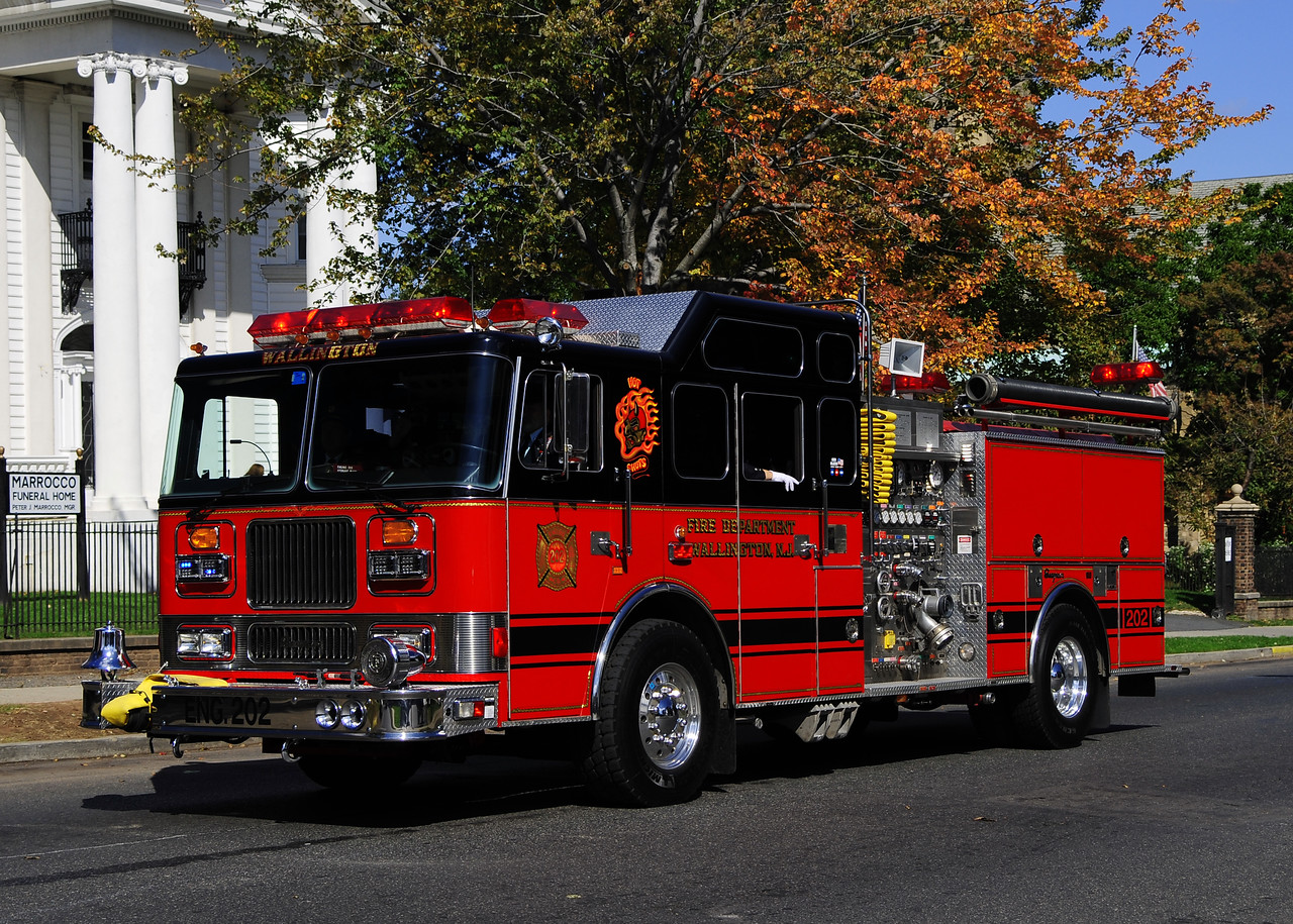 Wallington, NJ   Engine  202  1992 Seagrave 2000/500/50