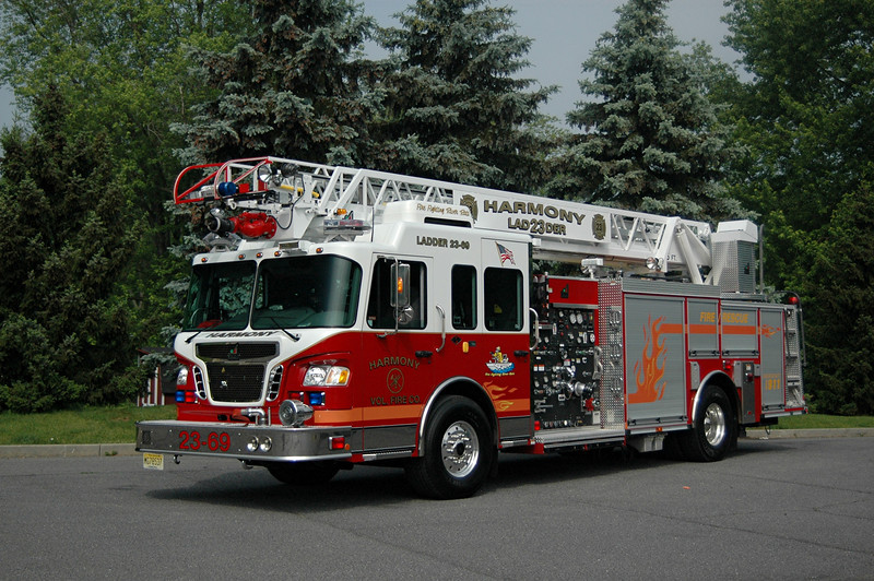 HARMONY,NJ  2007 Spartan/SMEAL  75 FT LADDER  2000 GPM/ 300 TANK