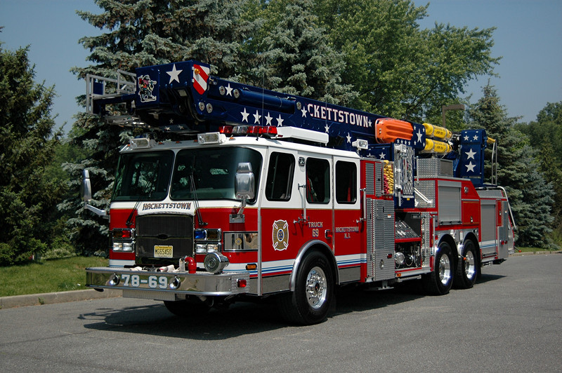 HACKETTSTOWN, NJ 2005 E-ONE /BRONTO 100 FT SKY ARM BUCKET 2000 GPM 300 TANK