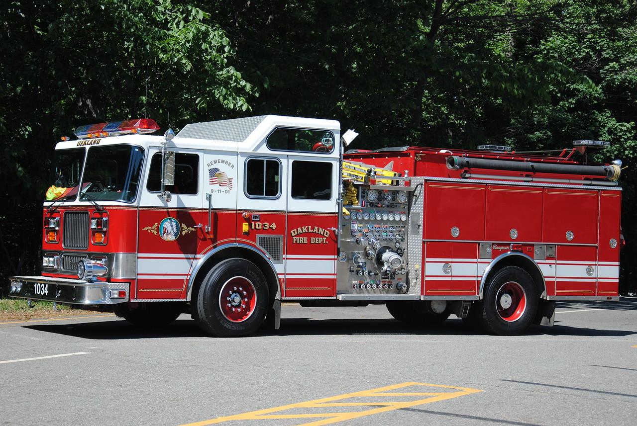 Oakland Fire Department, Oakland Ex-Engine 1034