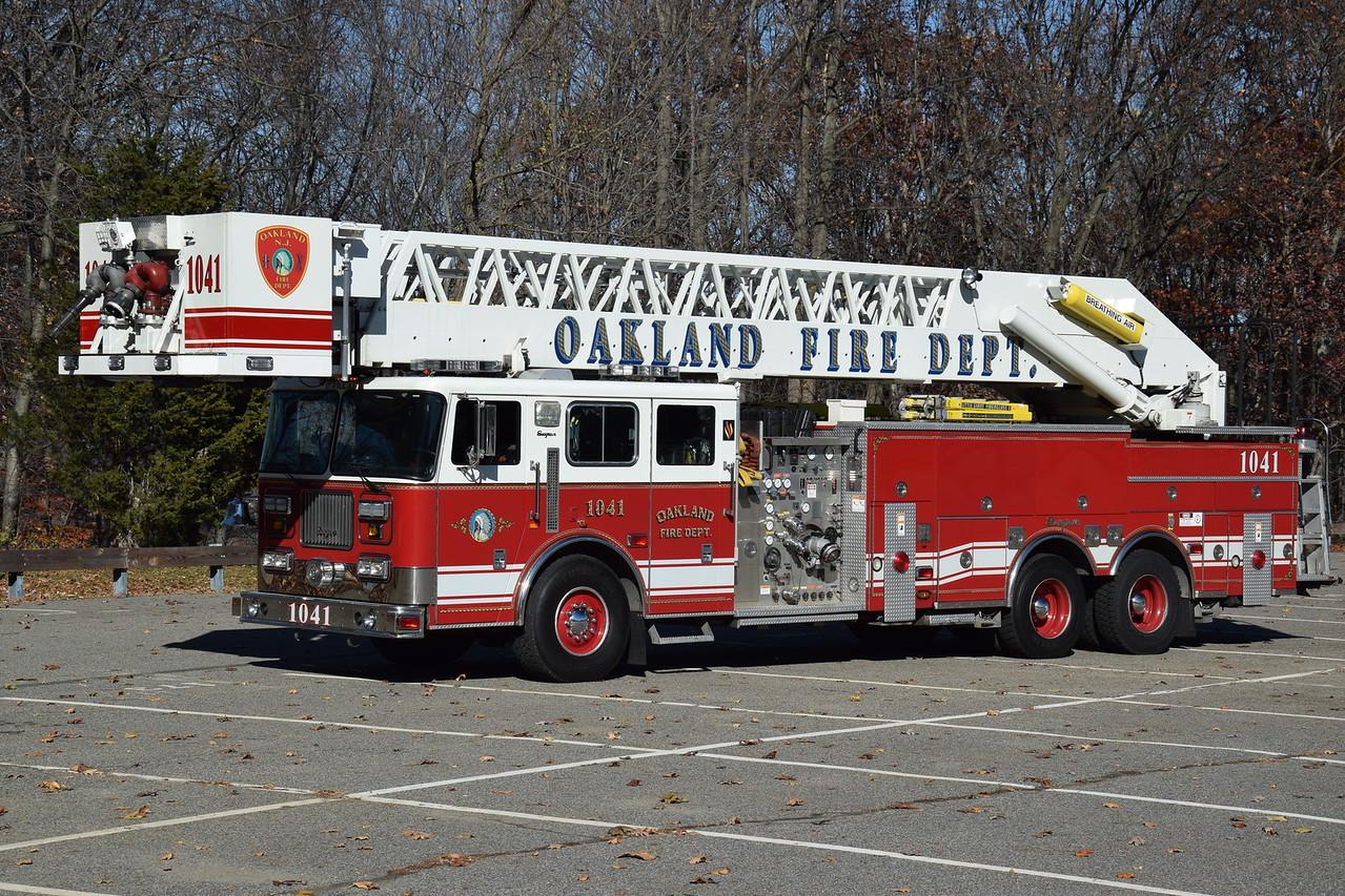 Oakland Fire Department Tower 1041