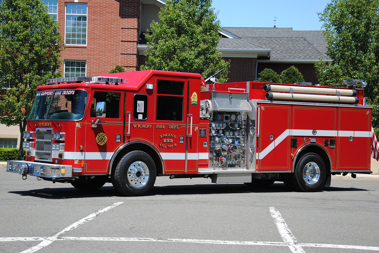 Wyckoff Fire Department Engine 233