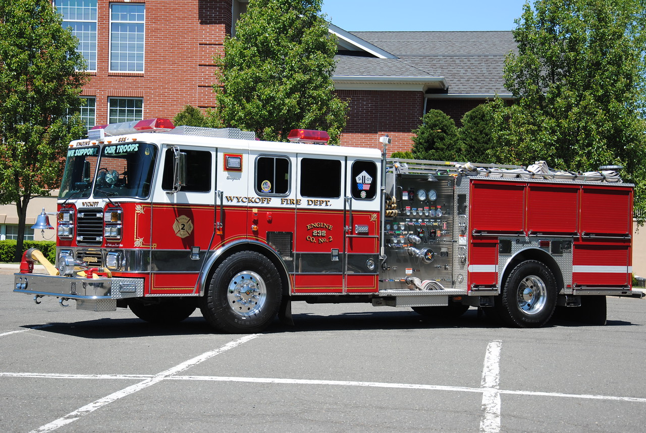 Wyckoff Fire Department Engine 232