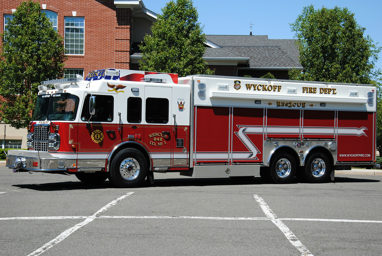 Wyckoff Fire Department Rescue 242