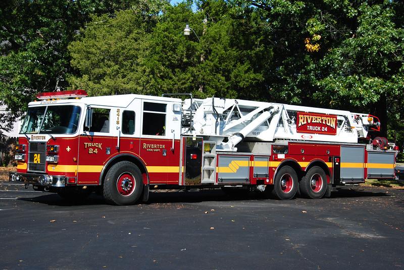 Riverton Fire Department, Riverton Ladder 2415