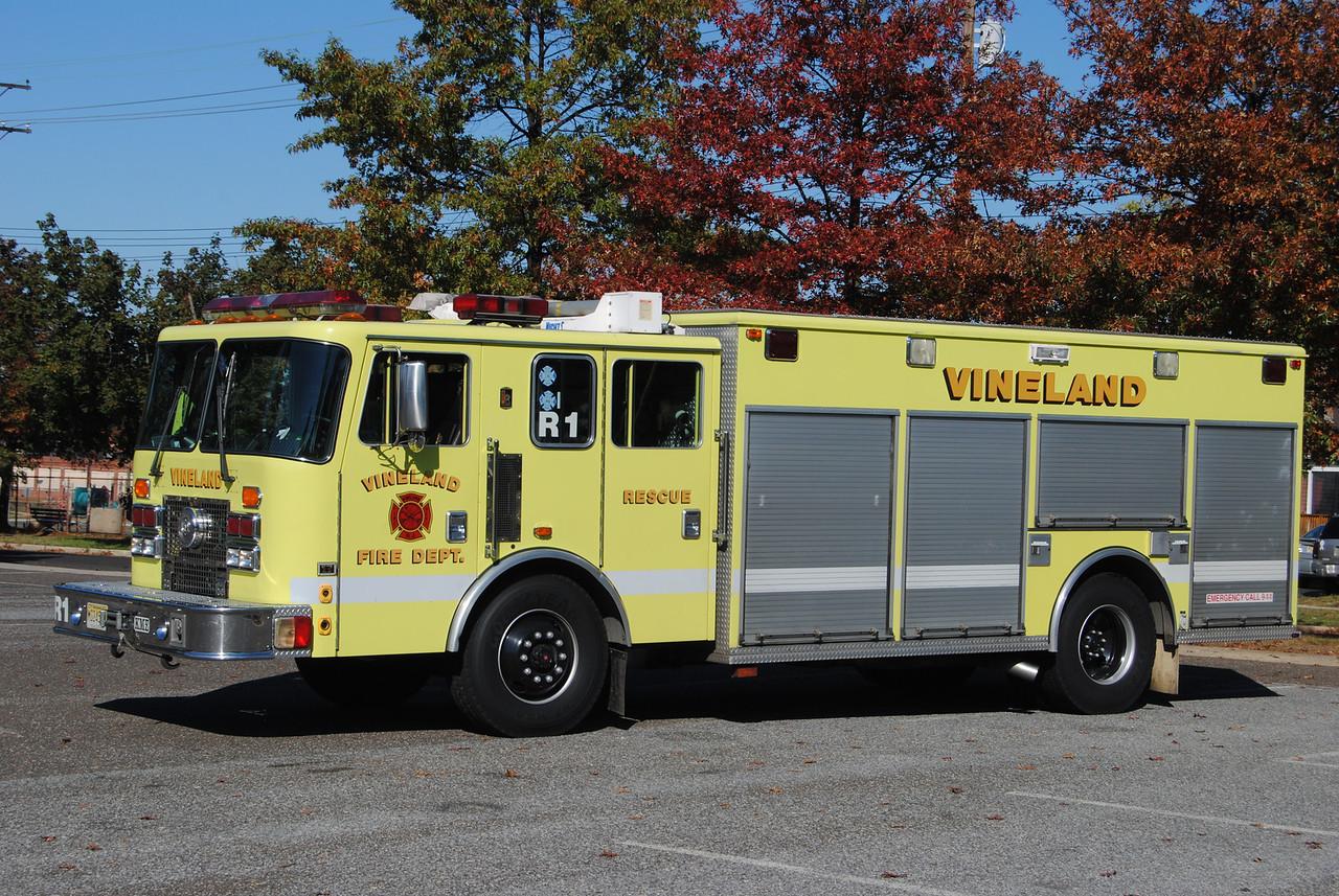 Vineland Fire Department Rescue 1